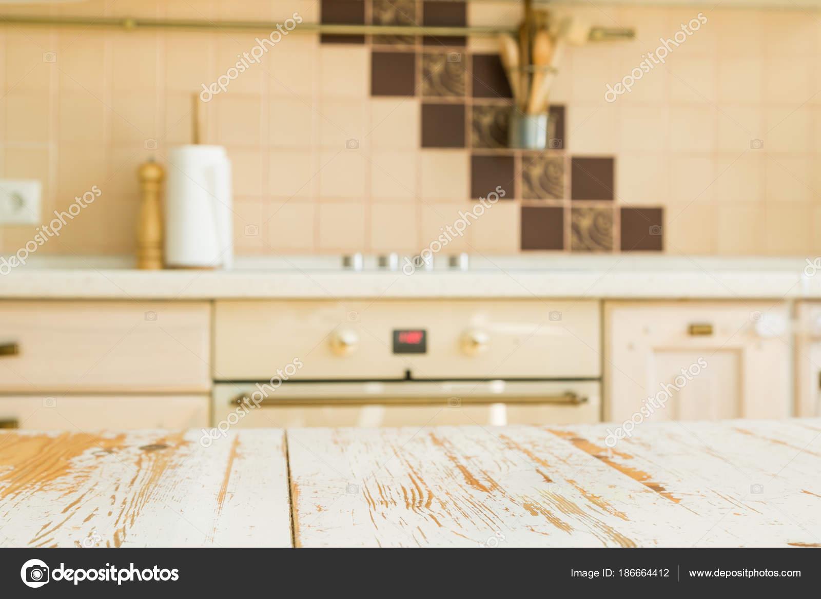 kitchen counters mobile cart 厨房台面与模糊厨房柜台 图库照片 c anaumenko 186664412