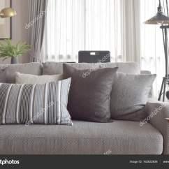 Sofa Cinza E Almofadas Coloridas Apartment Therapy Under 1000 Estilo Clássico De O Sofá Na Cor Tom