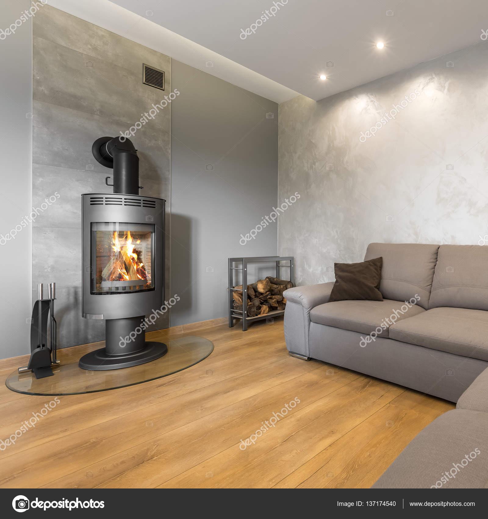 Wohnzimmer Mit Dekorativer Wandschmuck Stockfoto
