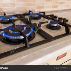 Kitchen Cooktops Cabinet Boxes Only 特写镜头从国内厨房灶具的蓝色火焰 气体库克 图库照片 C Bilanol I Ua 图库