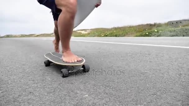 riding short board barefoot