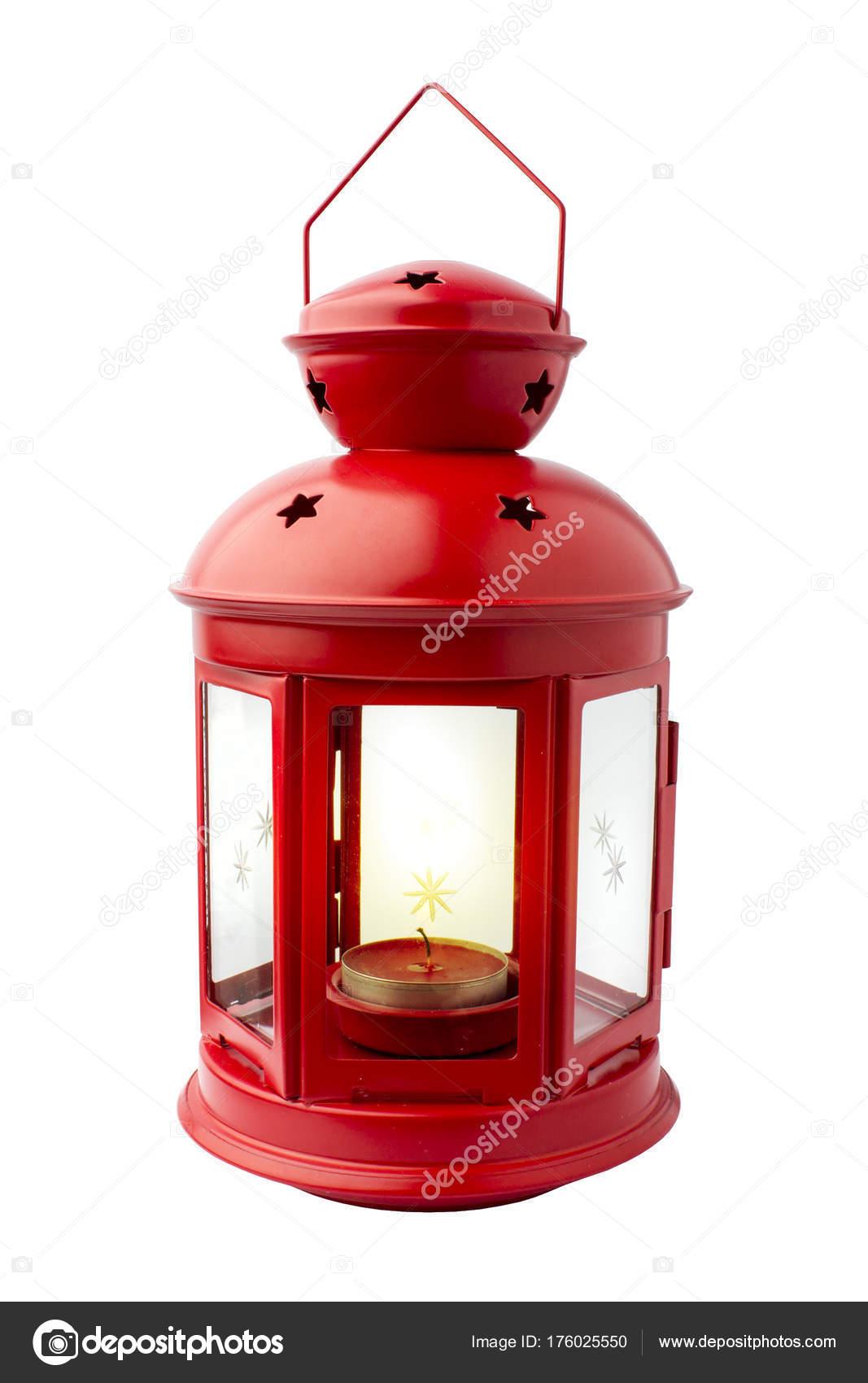 chandelier rouge avec une bougie lanterne objet sur fond blanc photo