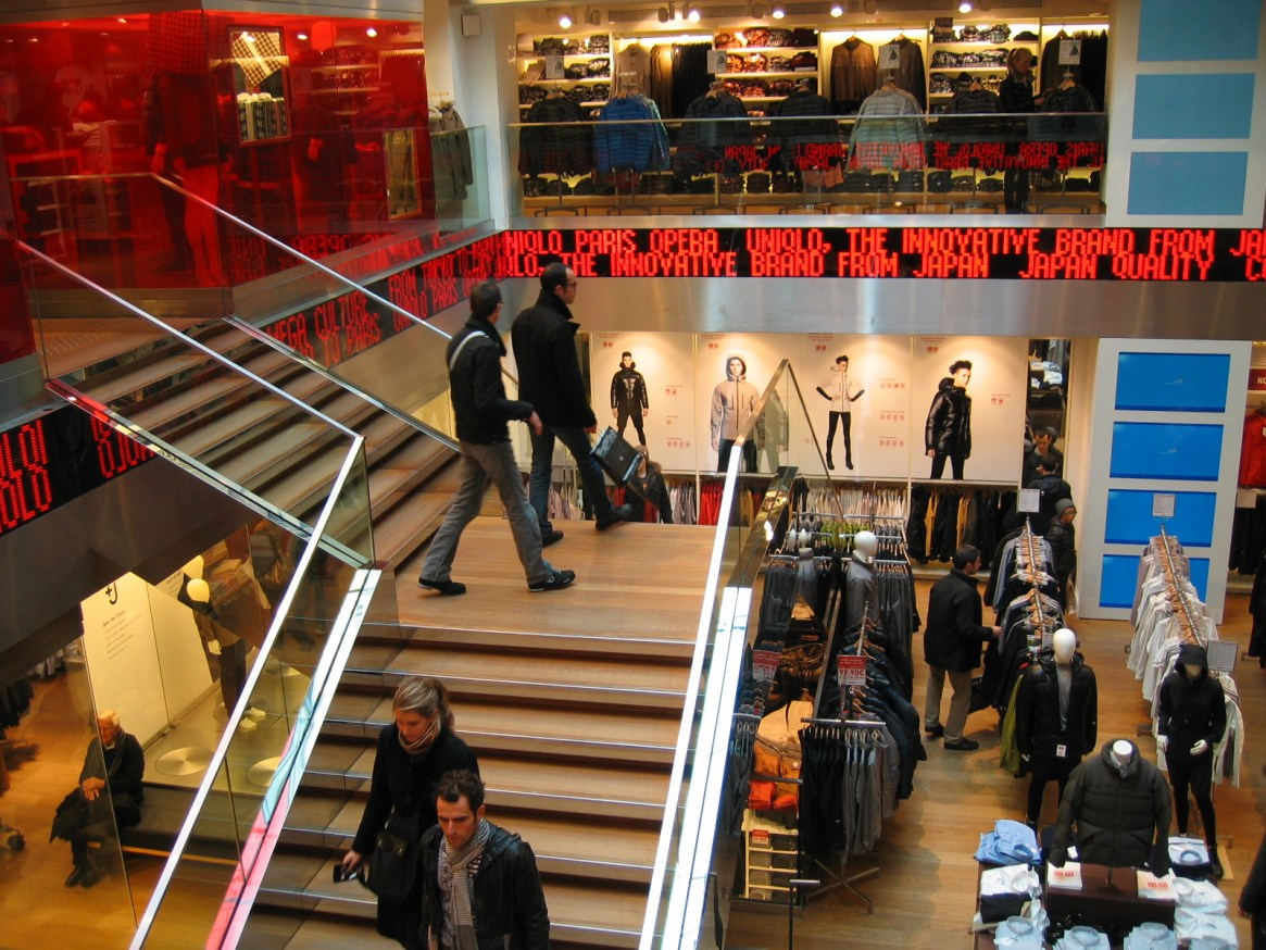 Interior de una tienda Uniqlo / Flickr/Creative commons