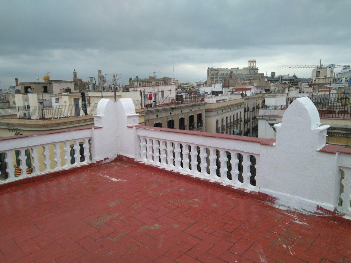 La vivienda se encuentra en el distrito más caro de Barcelona para el alquiler, en pleno corazón de la ciudad. / Coop 57