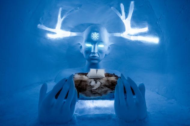 Cuenta con obras de arte de hielo
