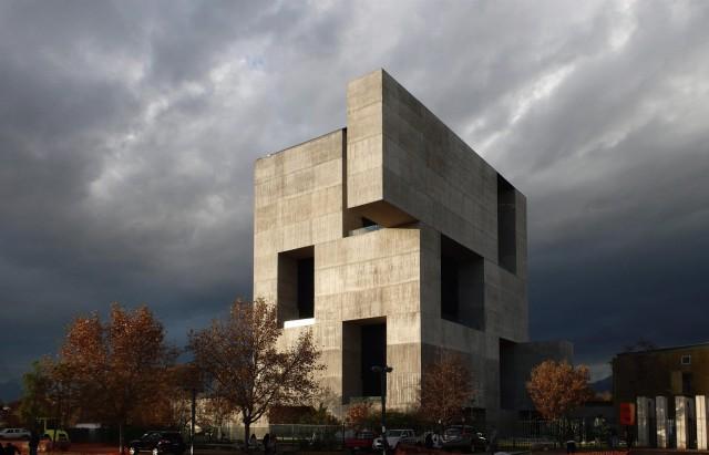 Edificio diseñado por el arquitecto chileno Alejandro Aravena