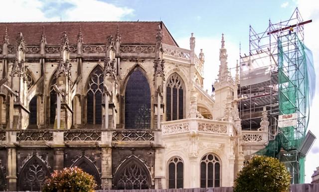 Iglesia de Saint-Pierre en Caen (Francia)