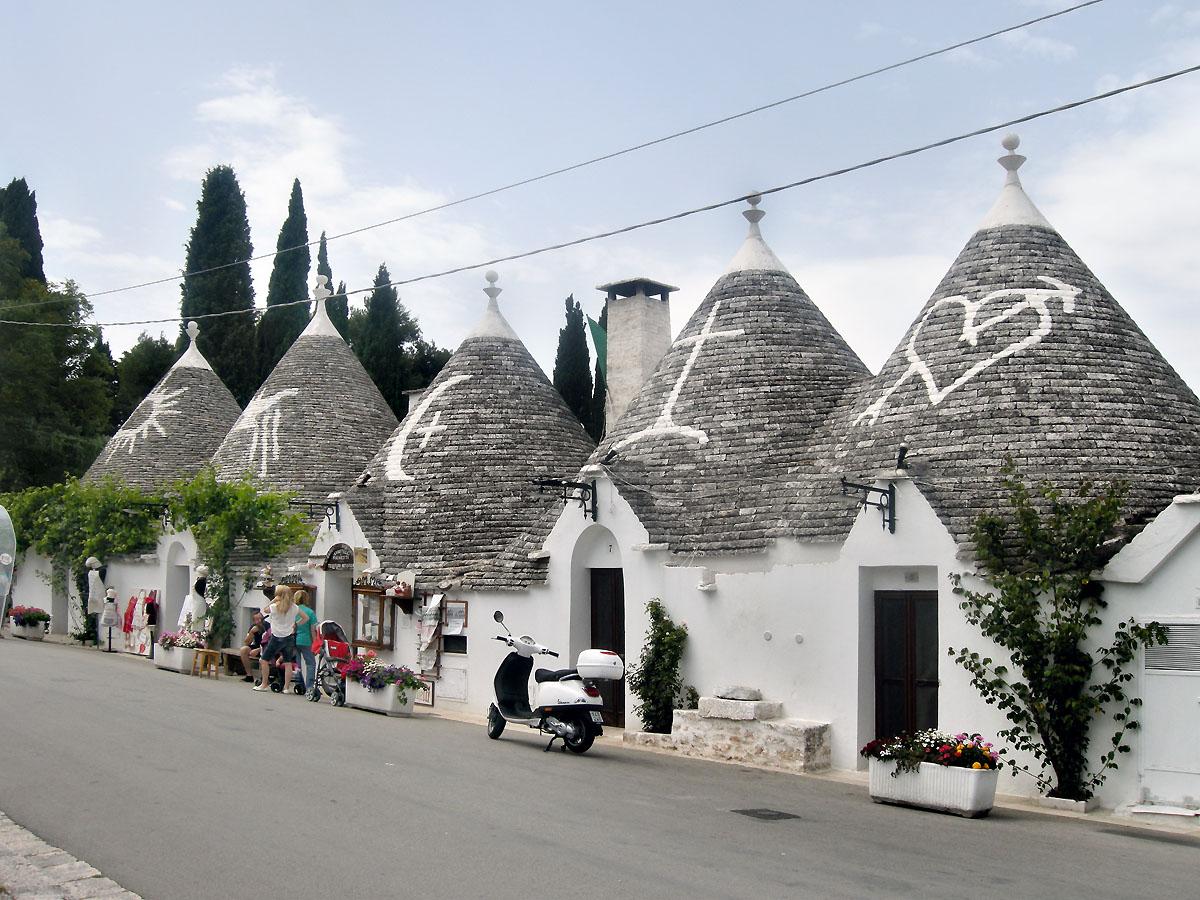 Alberobello la citt dei trulli da comunit contadina a centro turistico patrimonio dell