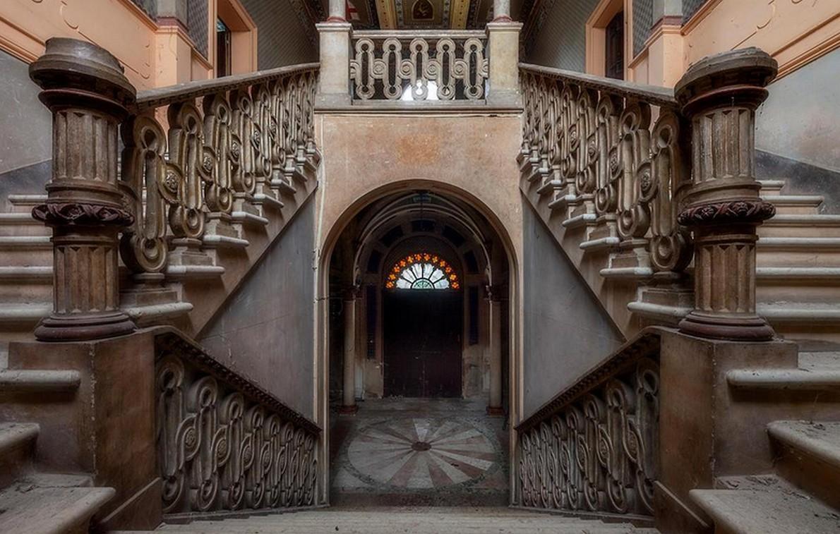 Un viaggio tra incredibili case abbandonate tra bellezza e inquietudine Fotogallery