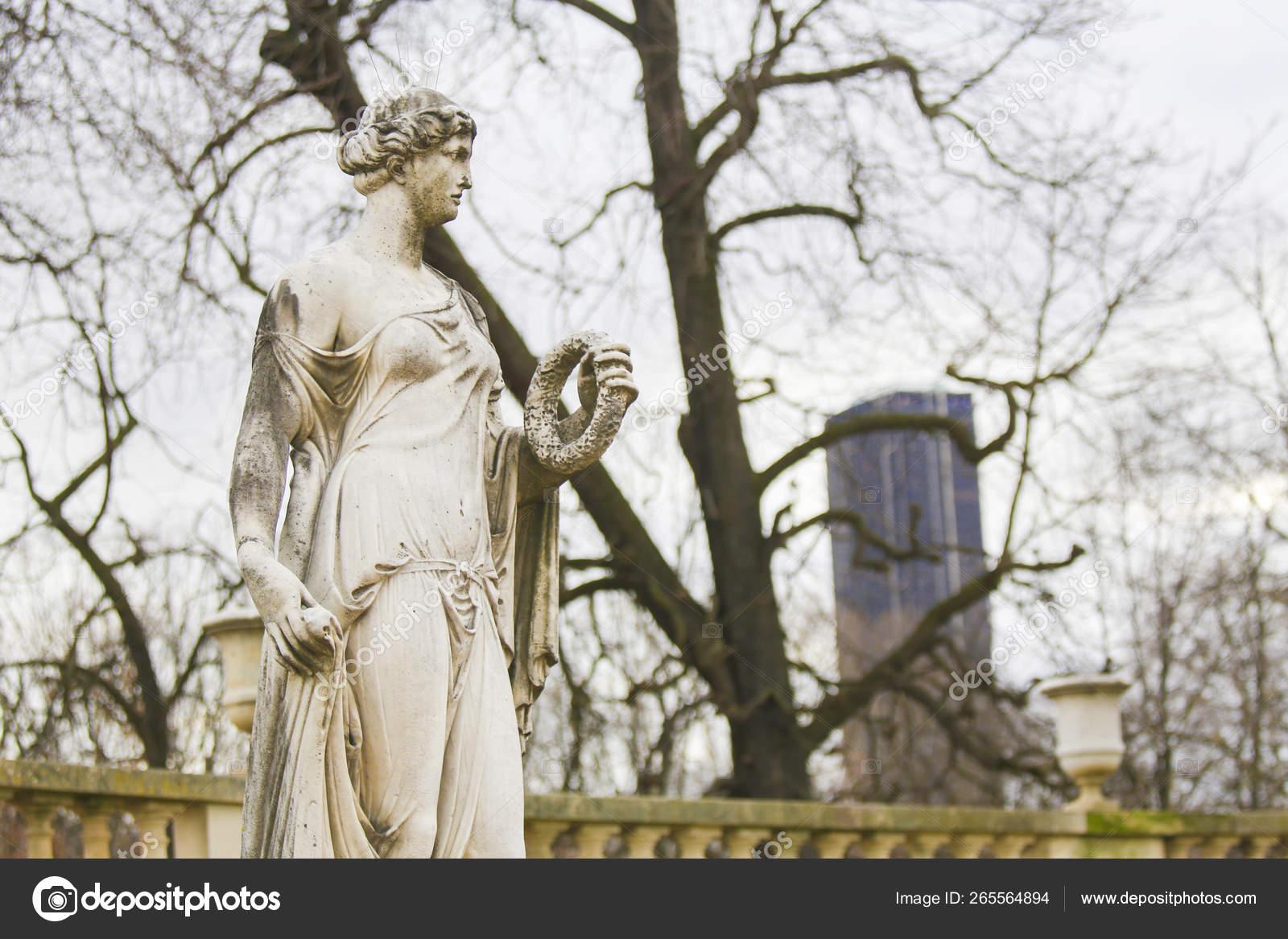 statue of flora in the jardin du luxembourg paris france stock photo c jorisvo 265564894