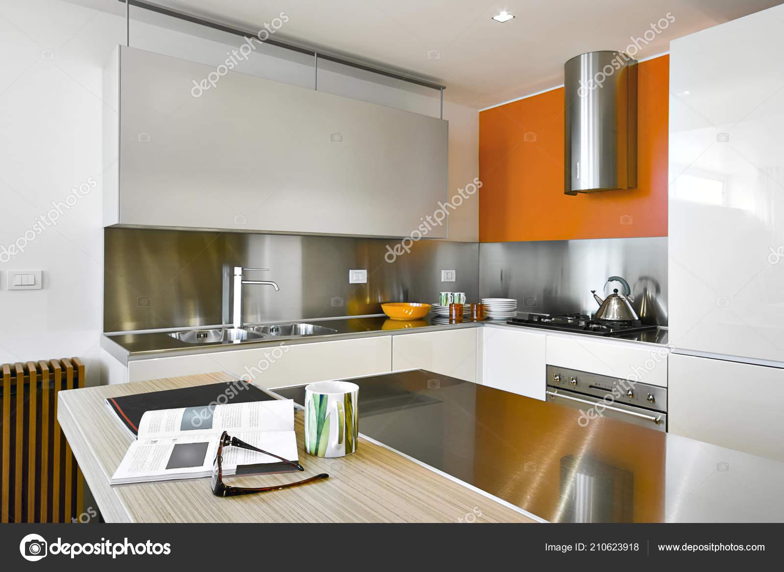 island kitchen hood and bath design software 现代厨房的内饰镜头与钢罩和厨房岛 图库照片 c aaphotograph 210623918