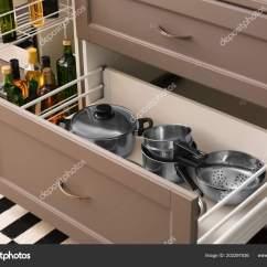 Kitchen Utensils Set Aid Ice Maker 室内抽屉厨房用具套装 图库照片 C Belchonock 202297536