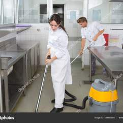 Cleaning Kitchen Floors Island With Storage And Seating 清洁厨房地板工人 图库照片 C Photography33 199993004