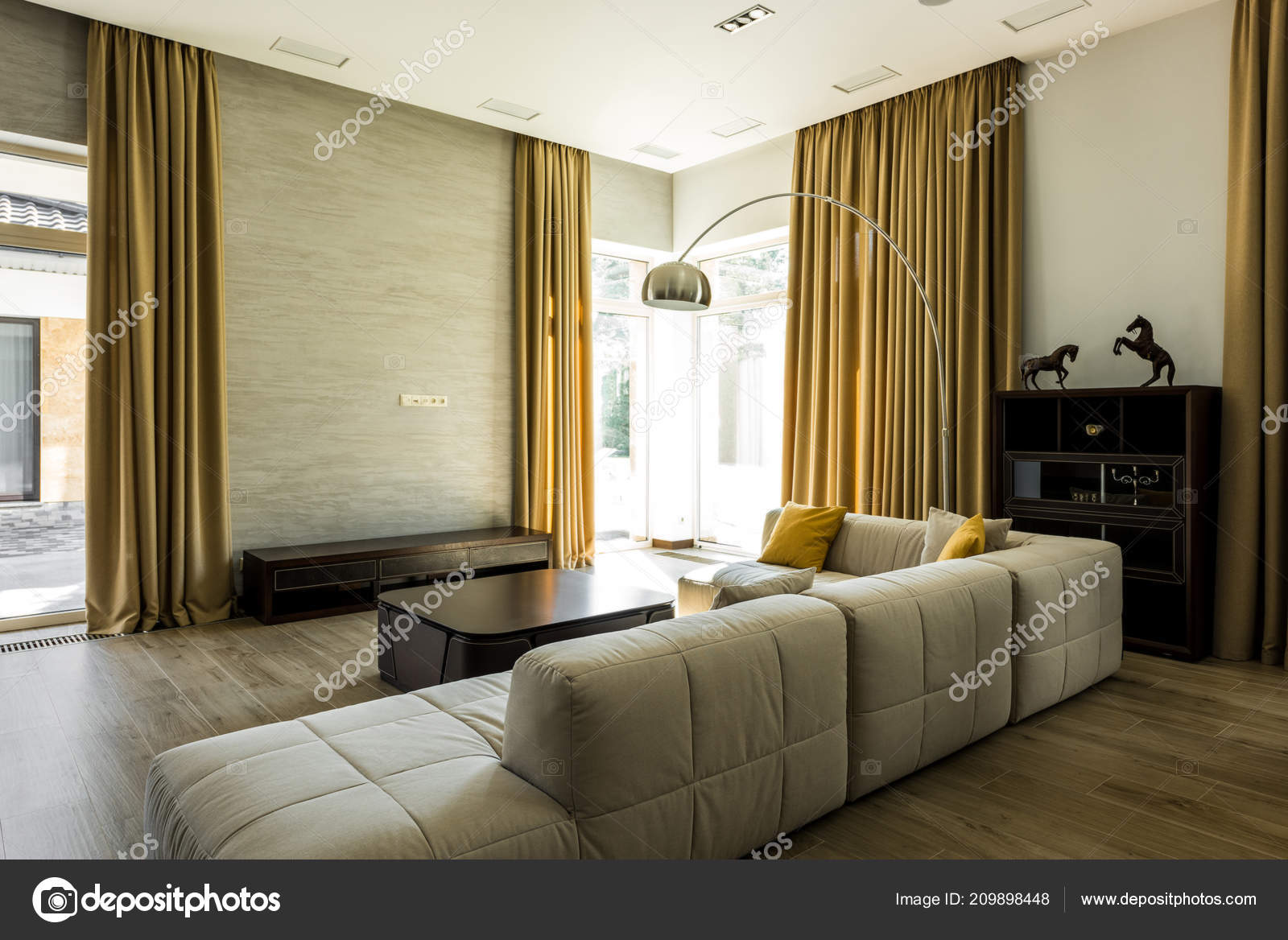 Interieur Van Lege Moderne Woonkamer Met Sofa Grote Ramen