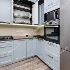Grey Kitchen Backsplash Large Island 现代灰色厨房内饰 图库照片 C Starush 211687914
