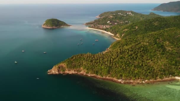 Aerial Drone View Small Koh Ma Island Ko Phangan Thailand Exotic Coast Panoramic Landscape Mae Haad Beach Summer Day Sandy Path Between Corals Vivid Seascape Mountain Coconut Palms From Above