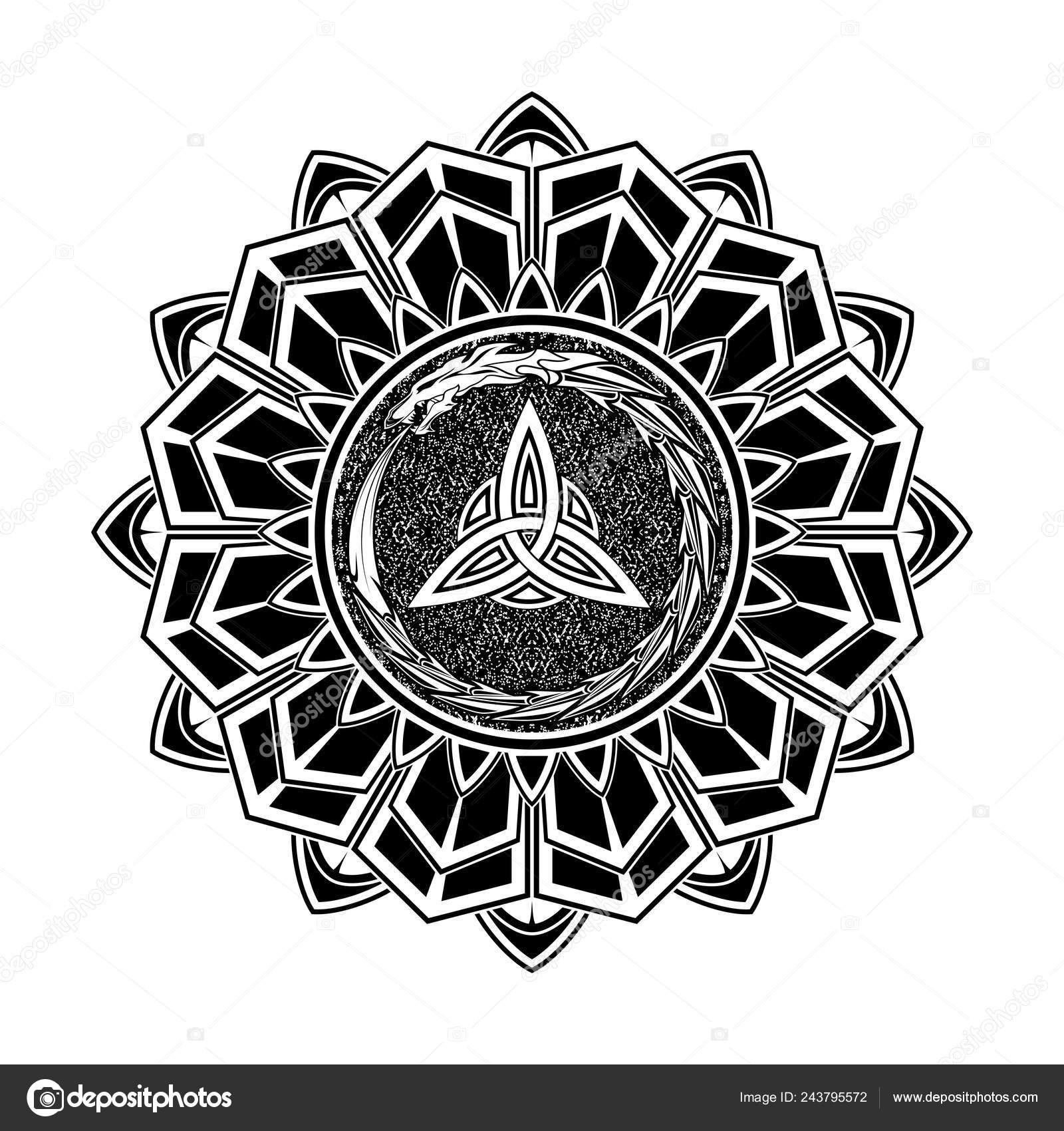 Tatuaje Negro Escandinavo Símbolos Mágicos Rúnicas Dragón Mordiendo