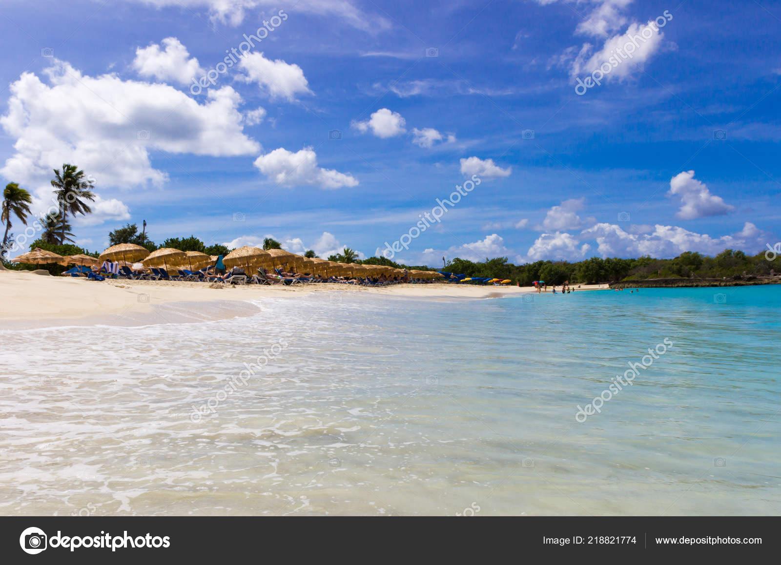 mullet bay beach maarten