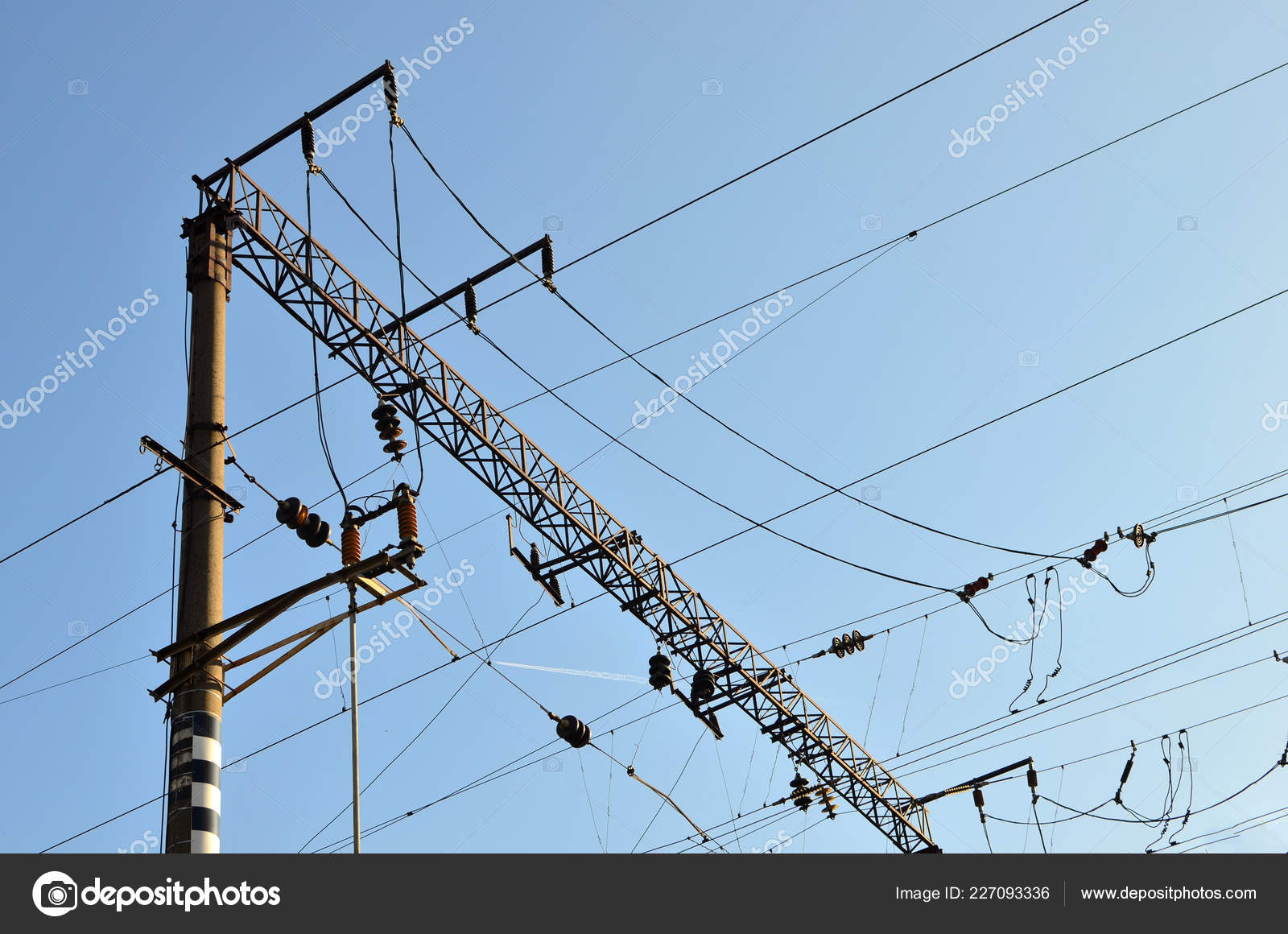hight resolution of a pole with electrical wires high voltage power lines