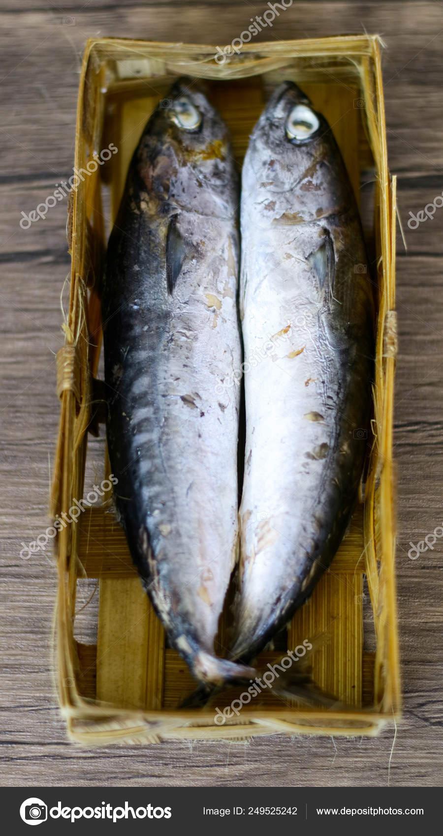 Ikan Cue Adalah : adalah, Pindang, Basket, Bamboo, Boiling, Method, Stock, Photo,, Image, Harismoyo, #249525242