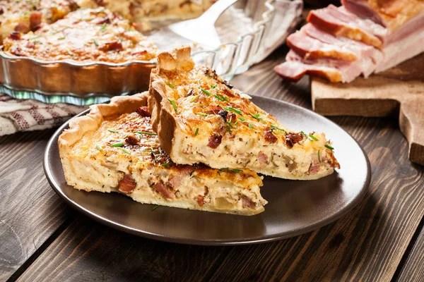 Trozos de quiche lorraine de bacon y queso  Foto de stock  fotek 171239826
