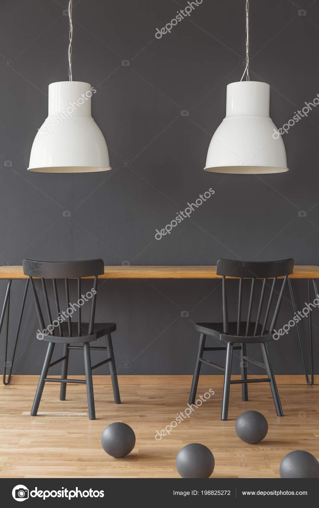Witte Tafel Zwarte Stoelen.Zwarte Houten Tafel Houten Tafel Met Witte Stoelen Affordable