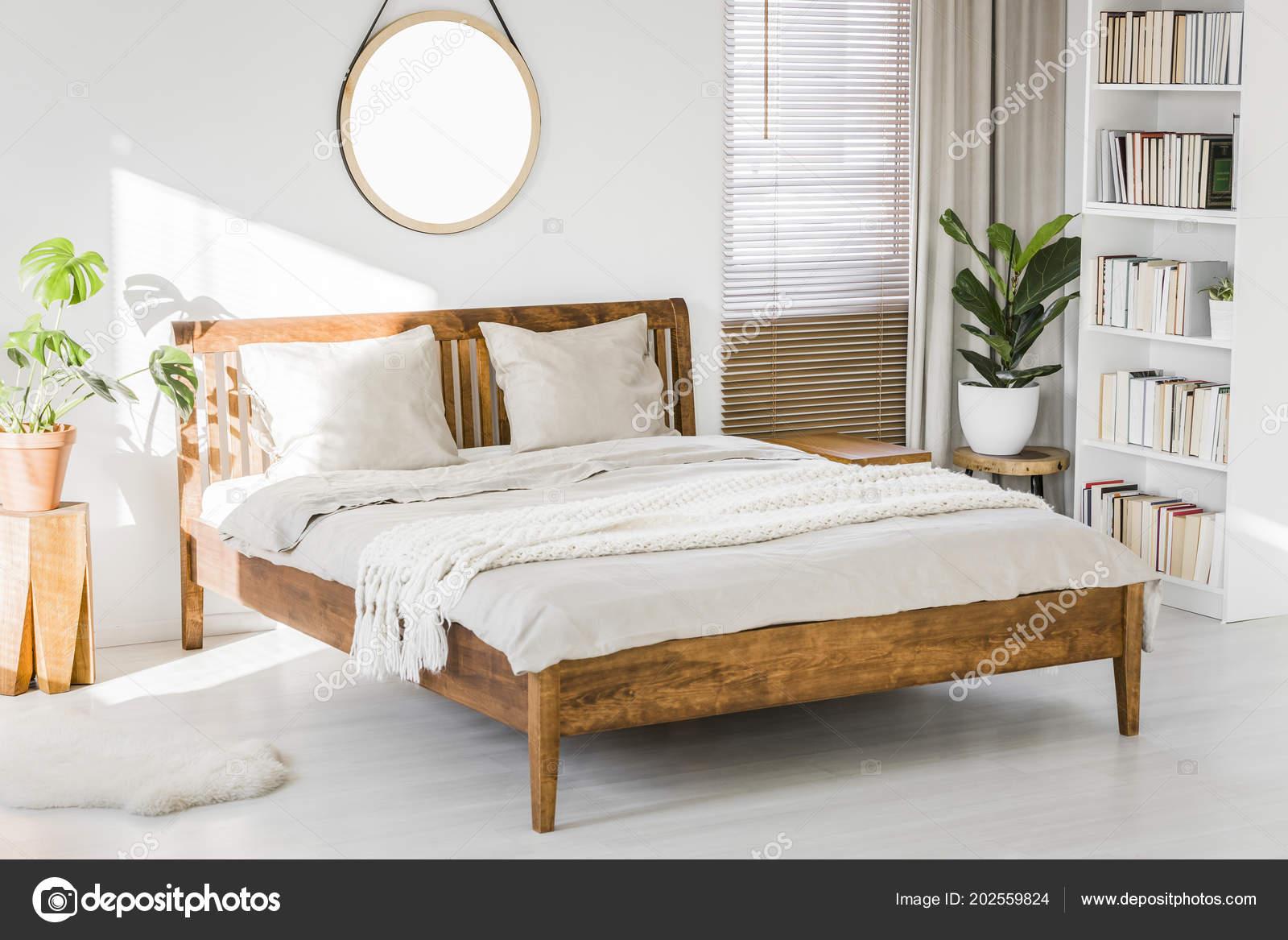 Intérieur Blanc Chambre Coucher Avec Lit King Size Bois Des