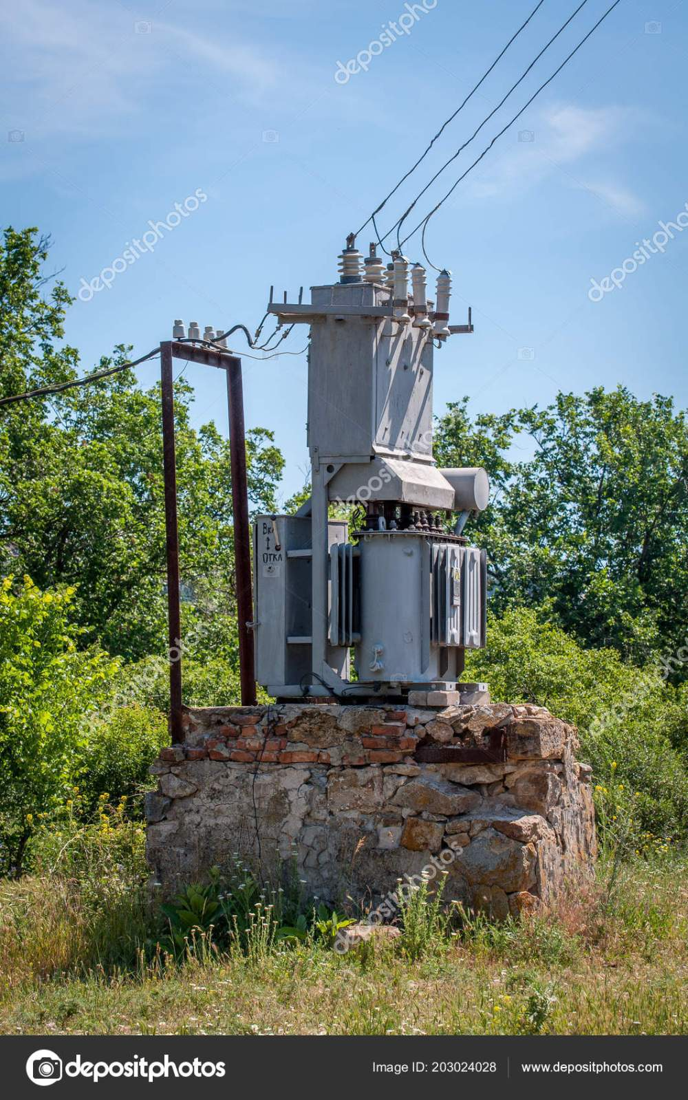 medium resolution of electrical transformer stone stand old high voltage power station stock photo