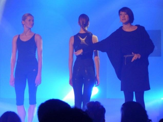 Präsentation des Outfits mit Elena Pris und Anastasia Kurkova