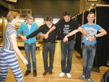 Vladimir probt mit den Technikern die 'kleinen Schwäne'. ;)