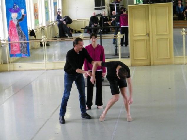 Dann zeigte Giorgio Madia eine Arbeitsprobe. Hier mit Polina Semionova & Federico Spallitta.