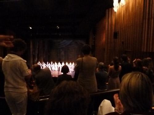Standing Ovations für das Ensemble.