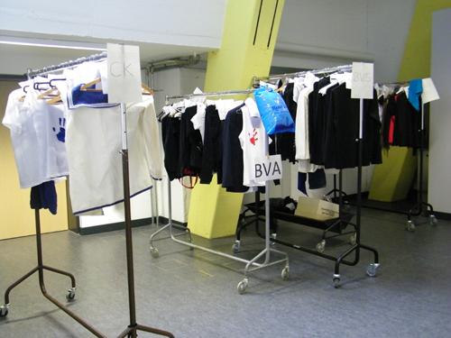 Die Garderobenständer im Flur.