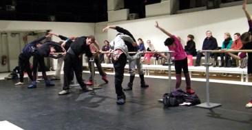 ... mit Tänzerinnen und Tänzern...