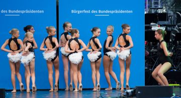 """Karneval der Tiere"" Foto: Gero Breloer — hier: Schloss Bellevue."