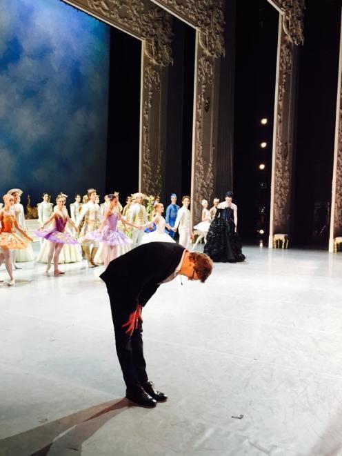 """Nacho Duato beim Schlussapplaus nach der Premiere von """"Dornröschen"""" im Teatro Real"""