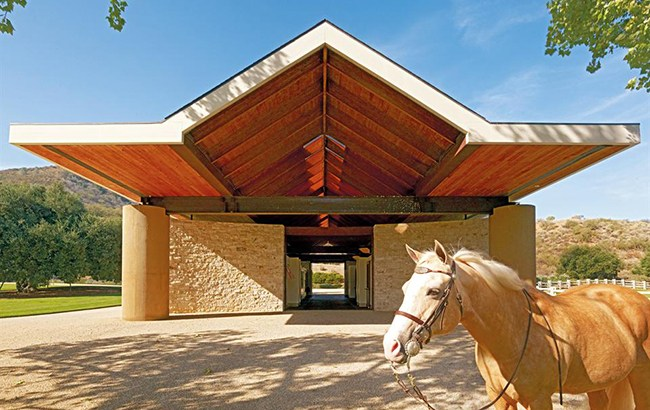 Stone Canyon Ranch's gorgeous barn