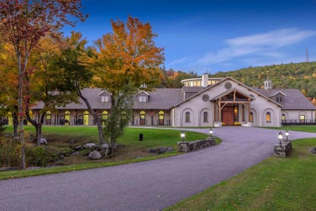 Pinnacle Farm is an impressive 140 acre farm