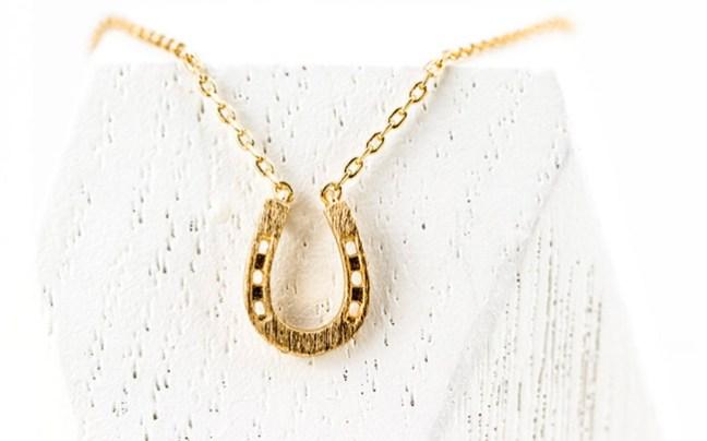 lucky gold horseshoe necklace