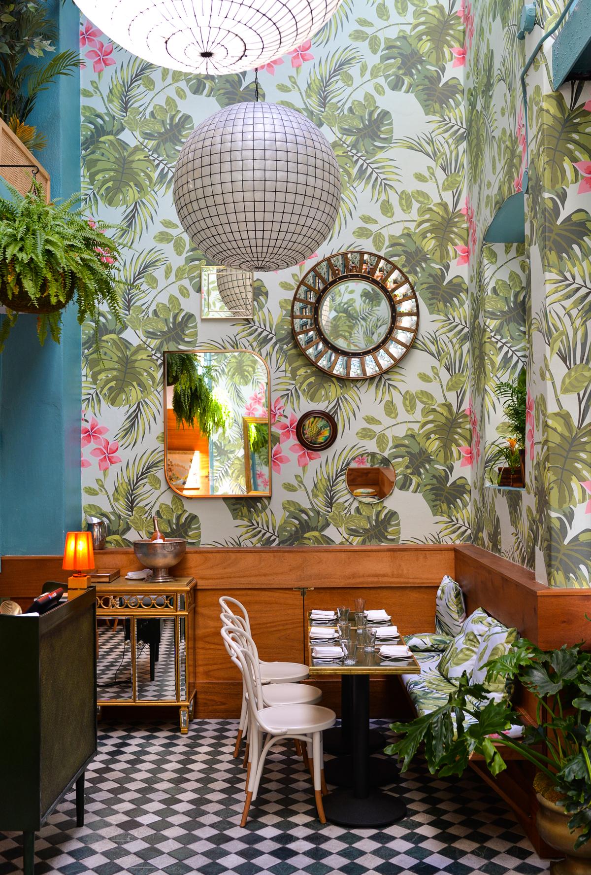 Interiors I love  Leos Oyster Bar  STACIE FLINNER