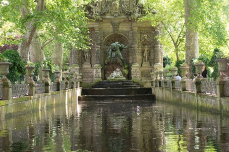 Medici Fountain (Before) by Robin Kent, PhotographybyKent