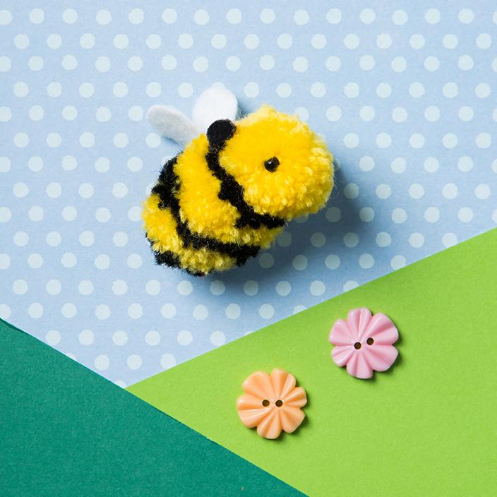 Bee_Happy_pompom_craft_Photography_StacyGrant