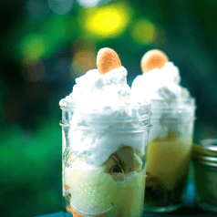 Stacy Lyn's banana pudding in mason jars
