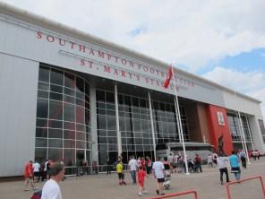 The main entrance to St. Mary's. (Photo: Stadiafile)