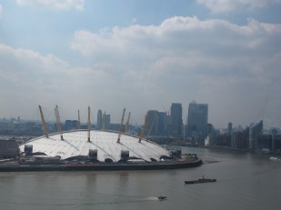 View of the O2 above from the Emirates Air Line. (Photo: Stadiafile)