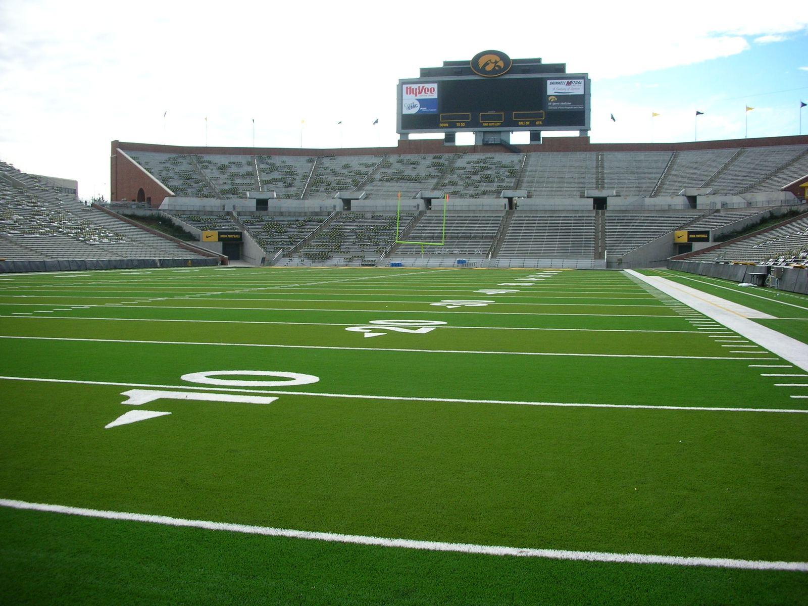 Kinnick Stadium – StadiumDB.com