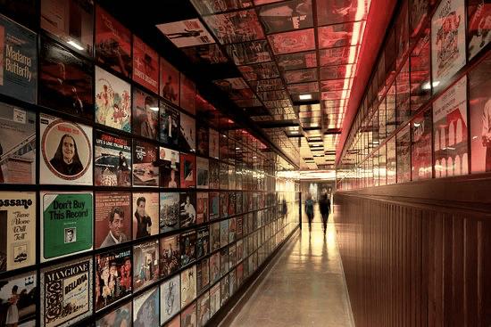 secret pizza hallway in the cosmopolitan las vegas