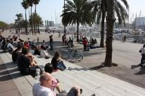 Trapporna i hamnen är gissningsvis ett ekonomiskt sätt att erbjuda det stora antalet turister en sittplats där de kan njuta av sin horchata i solen. Foto: Ulf Liljankoski.