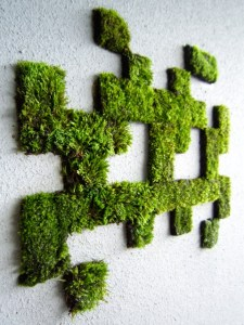 Moss Graffiti Space Invaders. Foto:  faseextra.
