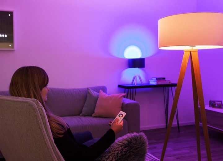aldi mit beleuchtung f r das smart home. Black Bedroom Furniture Sets. Home Design Ideas